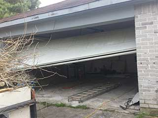 Prevent Accidents on Garage Door | Garage Door Repair Malibu, CA